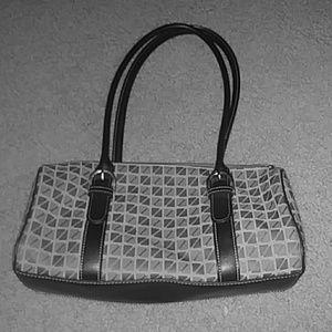 Nine and company medium purse